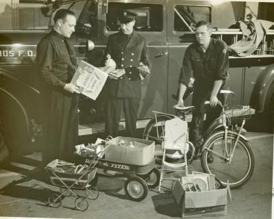 Photograph, Grand Rapids Fire Department Toys For Tots