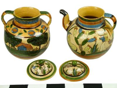 Tea Pot And Bean Pot, Petatillo
