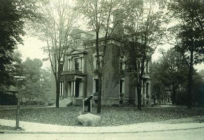 Photograph, Free Public Museum
